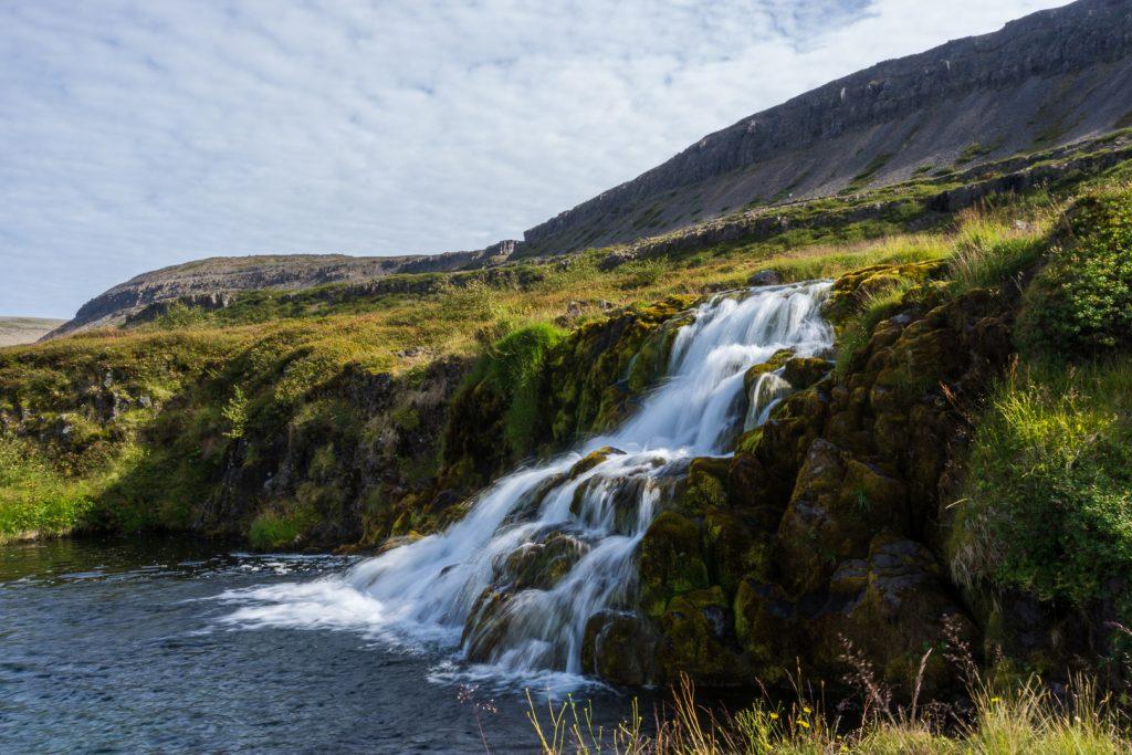 Исландия водопадная