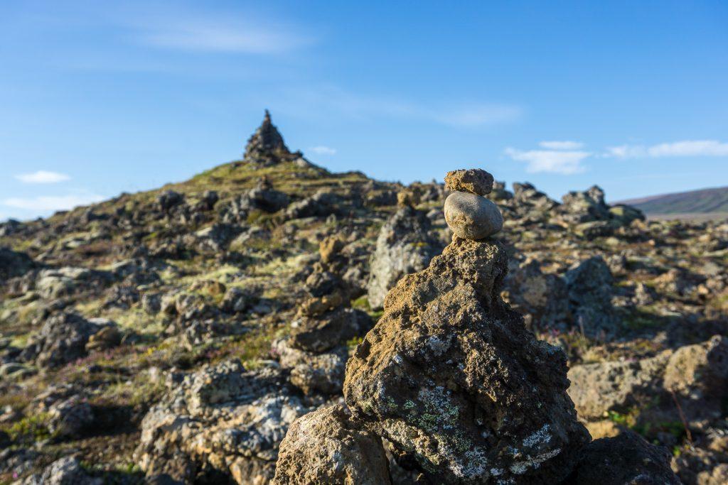 Каменные пирамидки
