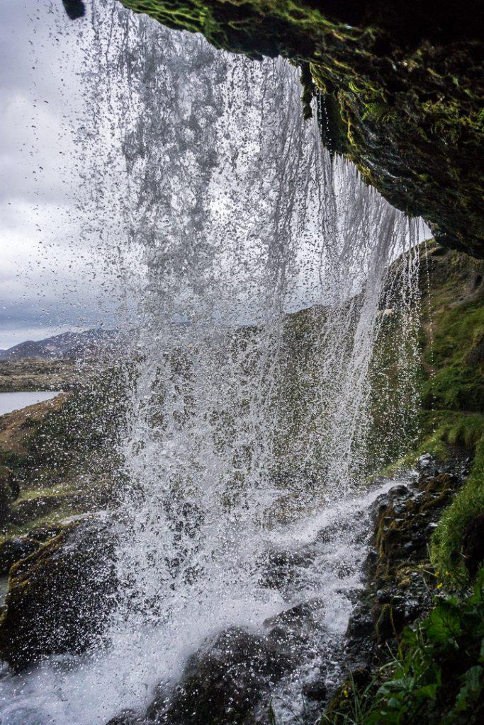 Нужно больше водопадов!